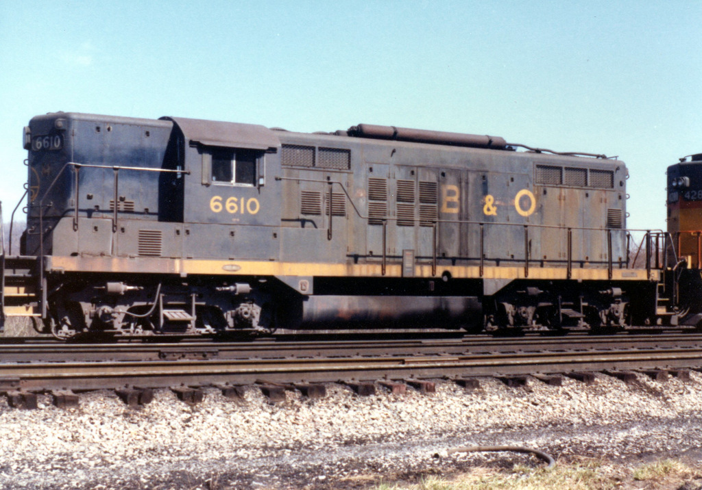 B&O GP9 6610 at Huntington, WV