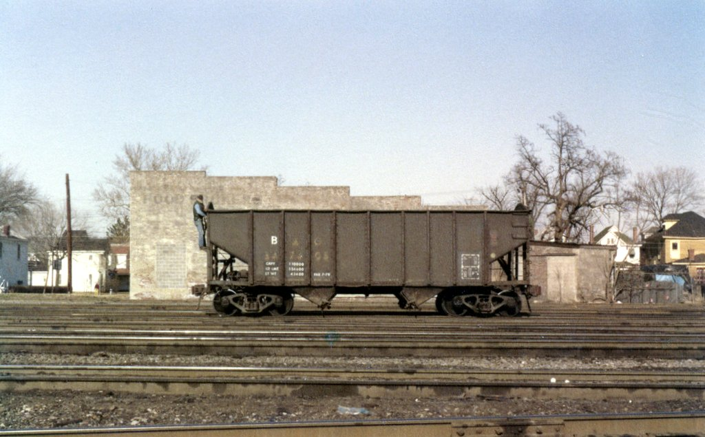 B&O 55-ton hopper 347605 at Huntington, WV