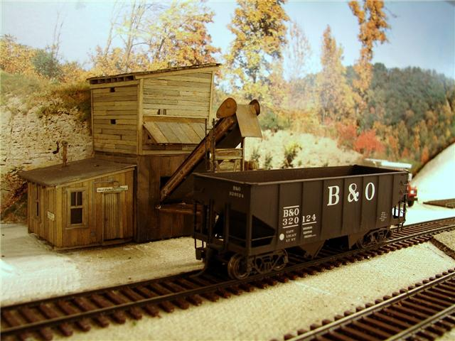 Truck dump coal loader in HO by Tom Rimer