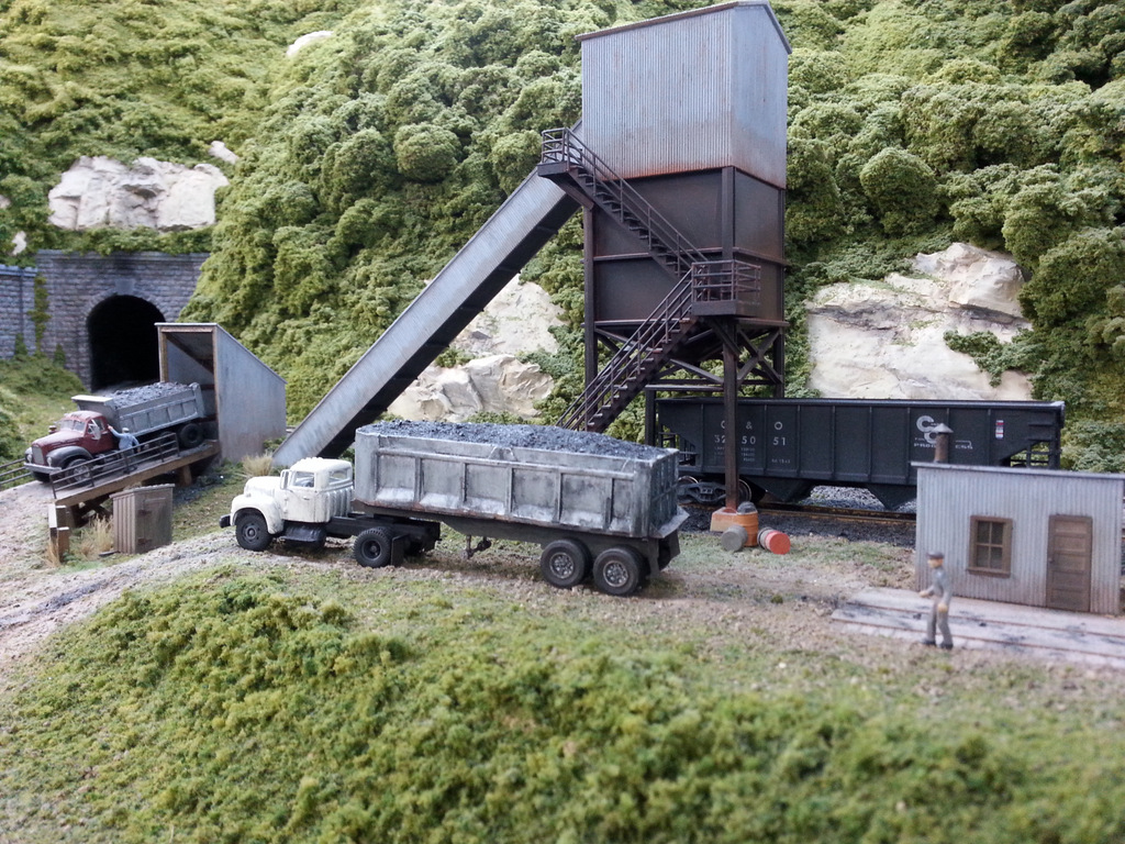 Truck dump loader by Brian Kelly on his HO scale C&O layout