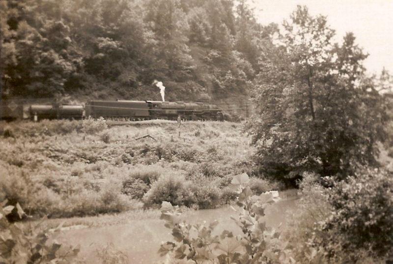 CRR steam-ara near Clinchco, VA