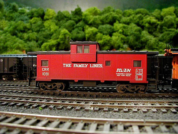 Family Lines cab in HO by Bob Helm