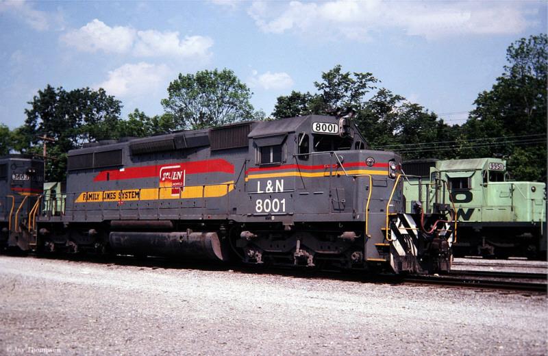 Family Lines 8001 (L&N), Etowah, TN