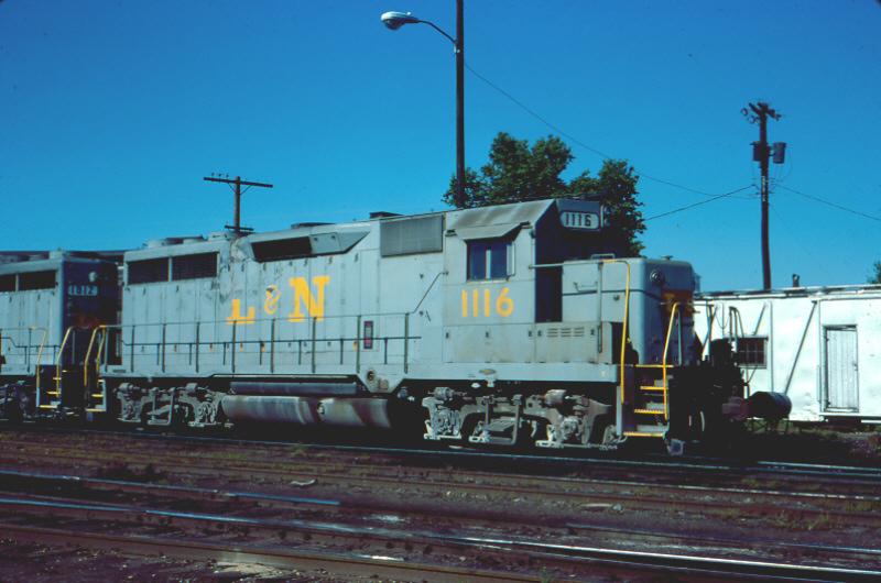 L&N GP35 1116