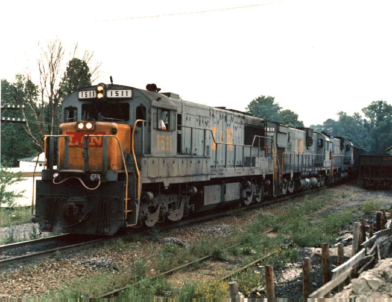 L&N U25C 1511 on coal train