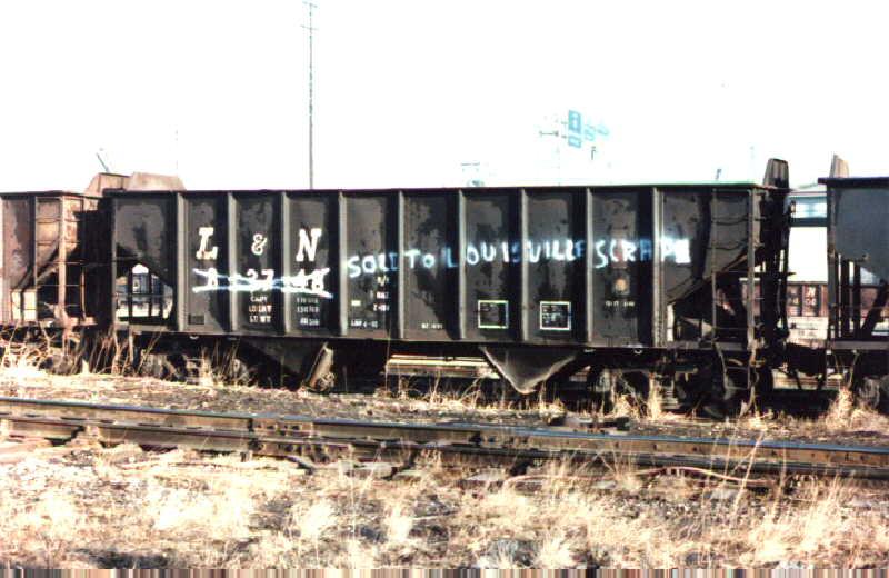 L&N 55T PS-3 2-bay hopper, Louisville, KY