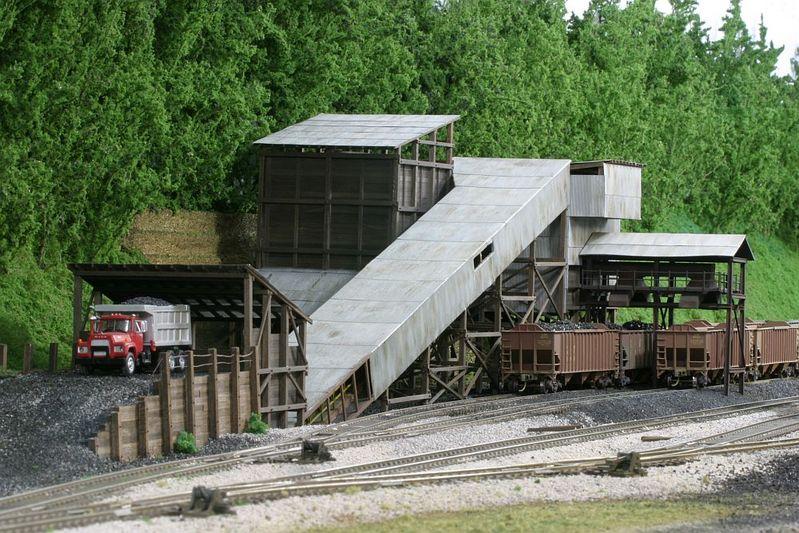 L&N Rocket Coal tipple in HO by Robby Vaughn