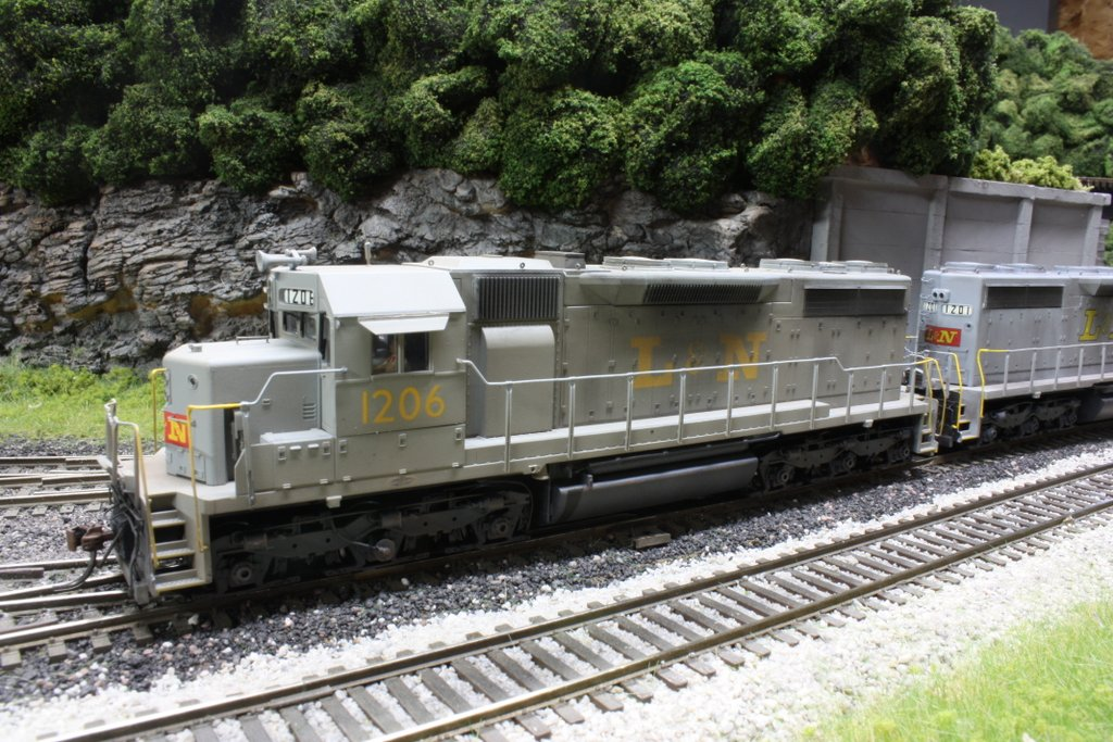 L&N HO scale SD35 model by Brent Johnson