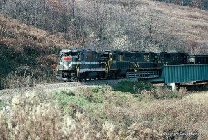 MGA Super-7 leads P&LE GP38s on the Manor Branch, PA, Nov 1990 -Dave Matheny