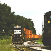 NS SD60 6615 on stack train