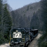 NS GP50 7038 on Dump Train, St Charles Branch, VA