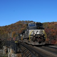 NS 9389 on bridge at Coopers, VW