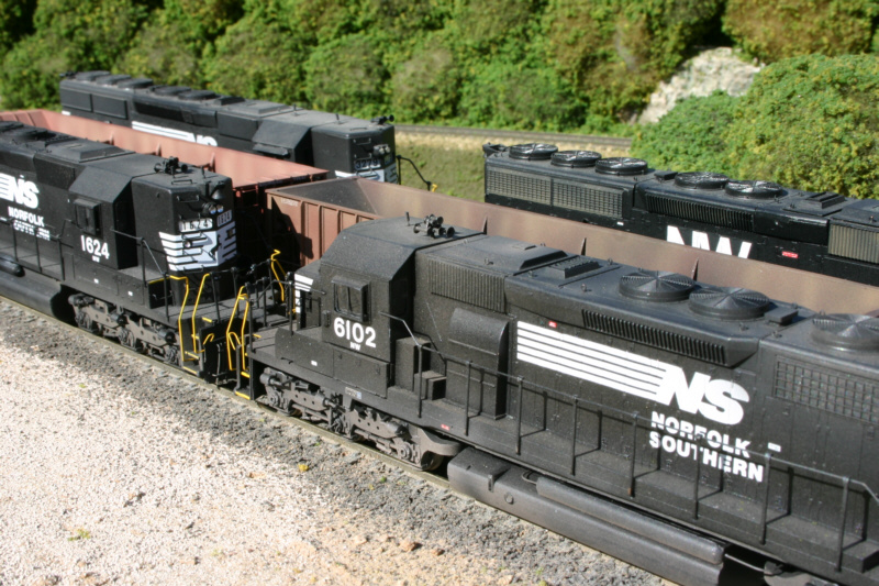 NS engines in HO by Dan Bourque