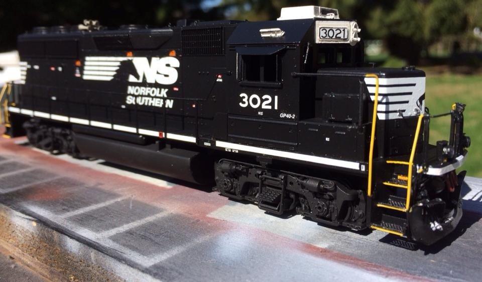 NS HO scale GP40-2 model by Jason Koglin