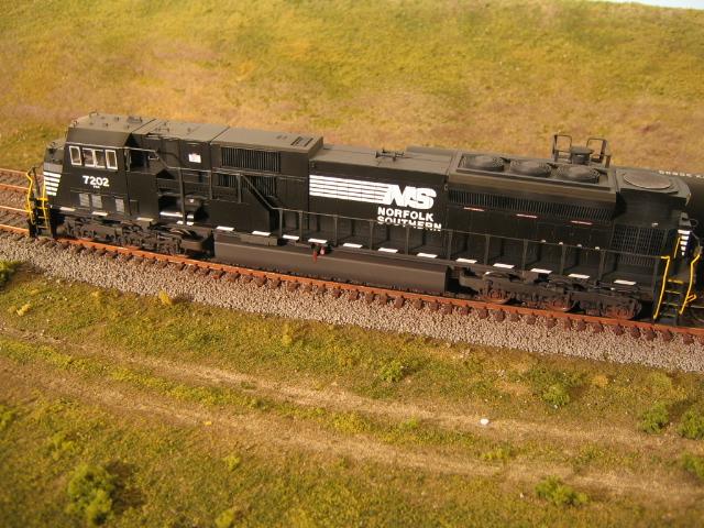 NS SD80 in HO by Lenny Harlos