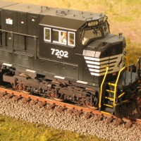 NS SD80 in HO by Lenny Harlos