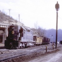 N&W SD35 1500, Williamson, WV