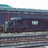 N&W SD40-2 6077