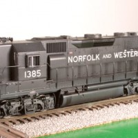 N&W GP40 in HO by Bob Harpe