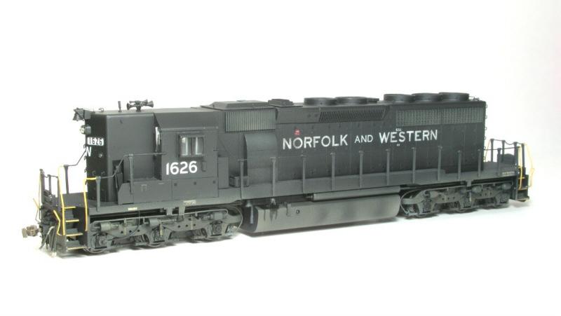 N&W SD40-2 in HO by Bob Harpe