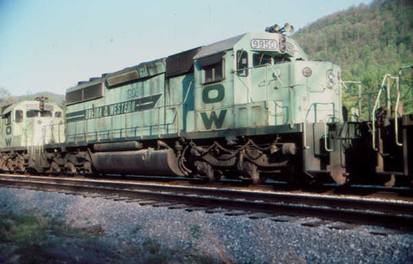 O&W SD40-2 9950 at Clover, KY