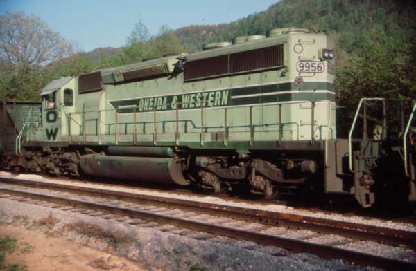 O&W SD40-2 9956 at Clover, KY