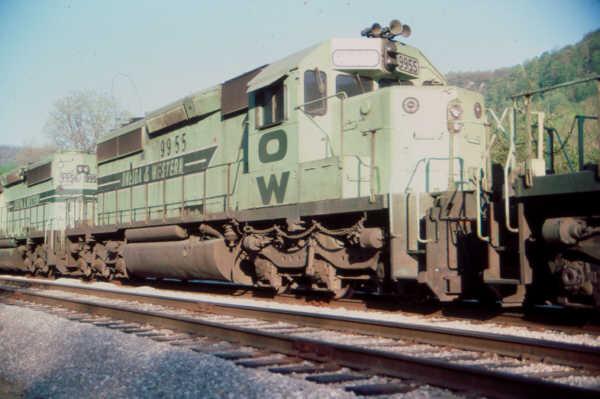O&W SD40-2 9955 at Clover, KY