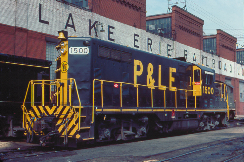 P&LE GP7 1500 at McKees Rocks, PA