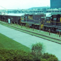 P&LE GP38s, Pittsburgh, PA