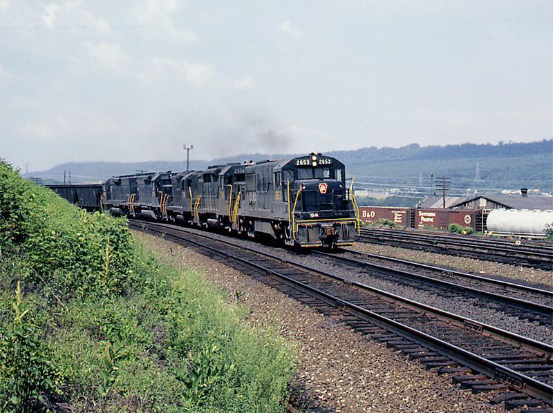 PRR U25B 2653 at Lewistown, PA