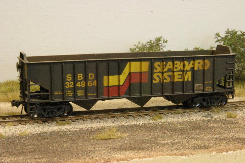 SBD 70T hopper in HO by Anthony Hardy