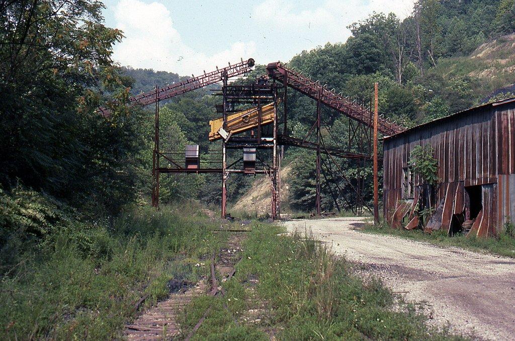 SBD Falcon Coal loader at Hardburly, KY