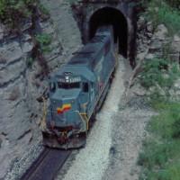 SBD SD50 8529 at O&K Tunnel, KY