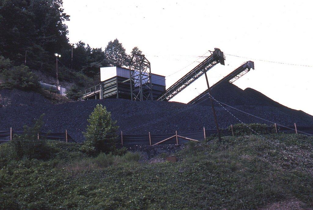 SBD Starfire Coal loader at Arnold, KY