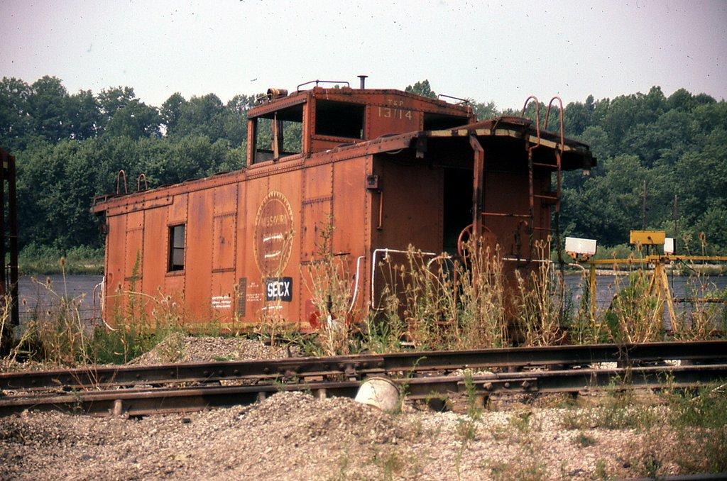 SECX caboose 13114 at Calla, KY