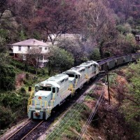 SECX GP20s on train at Ecco, KY