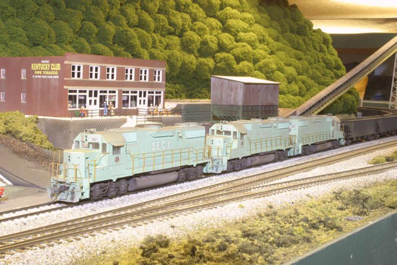SECX GP38-2s in HO by Robby Vaughn