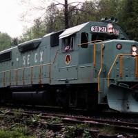 SECX GP38-2 3821 at Viper, KY
