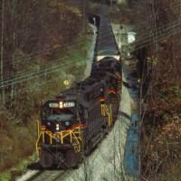 SECX train cresting Elkatawa Hill, KY