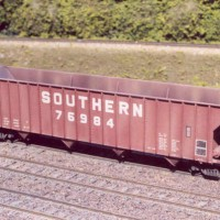 Southern 100T Big Red hopper in HO by Dan Bourque
