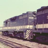 Southern GP38 2736