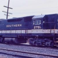 Southern GP38 2751