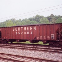 Southern 100T Big Red hopper at Tacoma, VA
