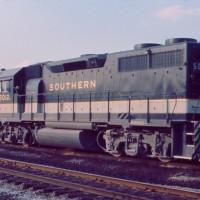 Southern GP38-2 5012