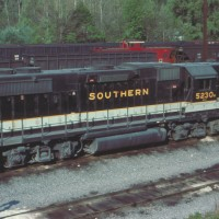 Southern GP38-2 5230 at Andover, VA