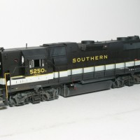 Southern GP38-2 in HO by Bob Harpe