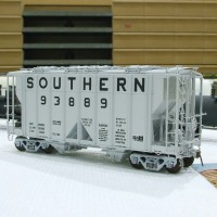 Southern 100T covered hopper in HO by Bobby Pitts