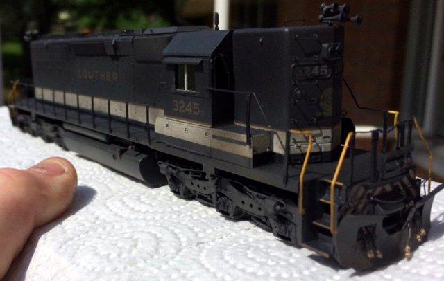 SOU HO scale SD40-2 model by Jason Koglin