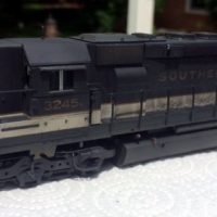 SOU HO scale SD40-2 model by Jason Koglin