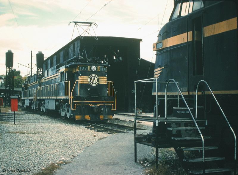 Virginian EL-C and EL2B at Roanoke, VA
